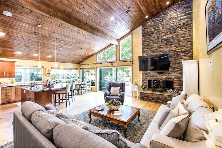 Beautiful Classic Lake View Home