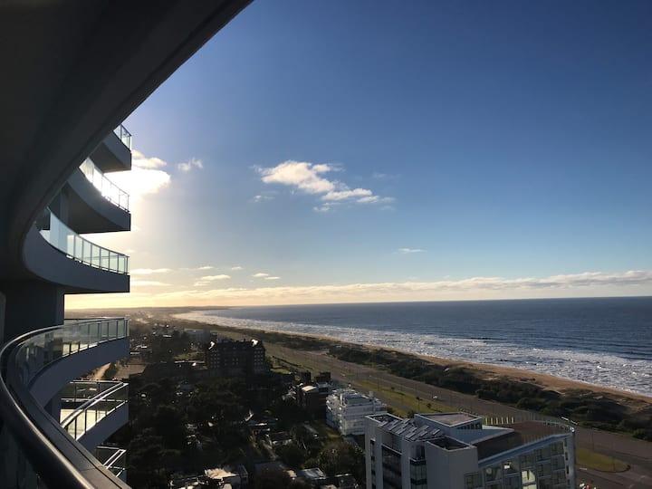 EDIFICIO LOOK BRAVA, piso 21 con vistas al mar.