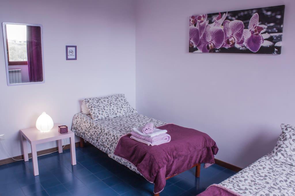 stanza doppia con due letti singoli