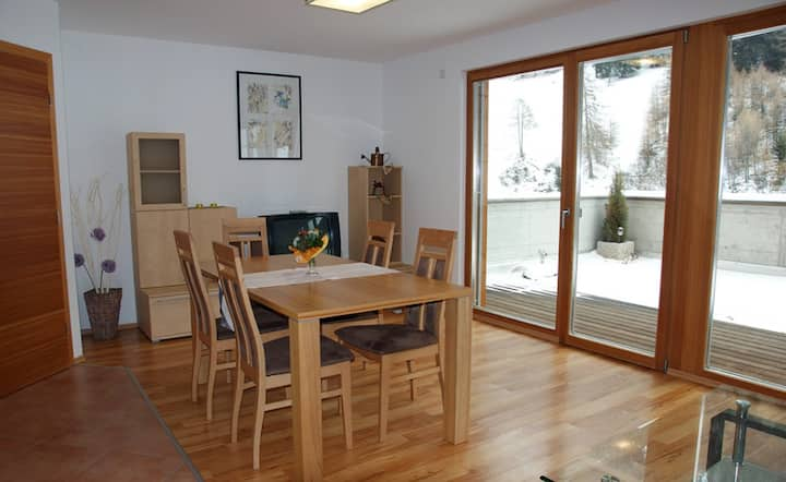 """Charming Apartment """"Ferienwohnung Terrasse"""" with Mountain View & Terrace; Parking Available"""