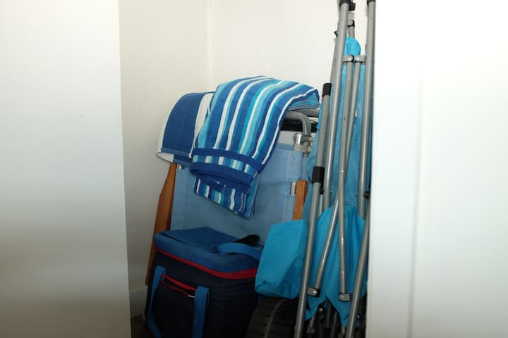 Beach Gear! Chairs, Beach cart, towels, cooler.