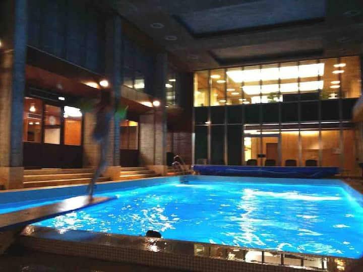 Appartement 2/4 per skis aux pieds  avec piscines