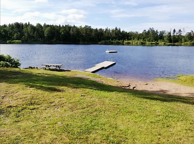 Lovely summerhome near lake, close to Stockholm!