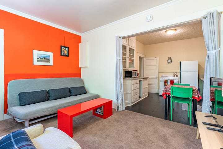Sweet and Central Downtown One Bedroom