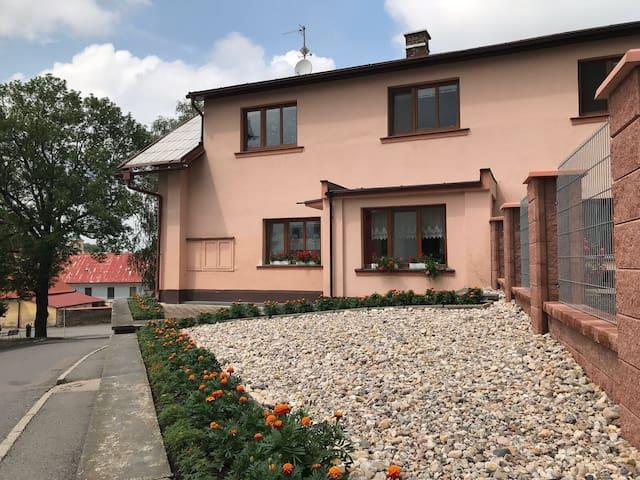 Pěkný byt  U Zahrad - centrální poloha v Litomyšli