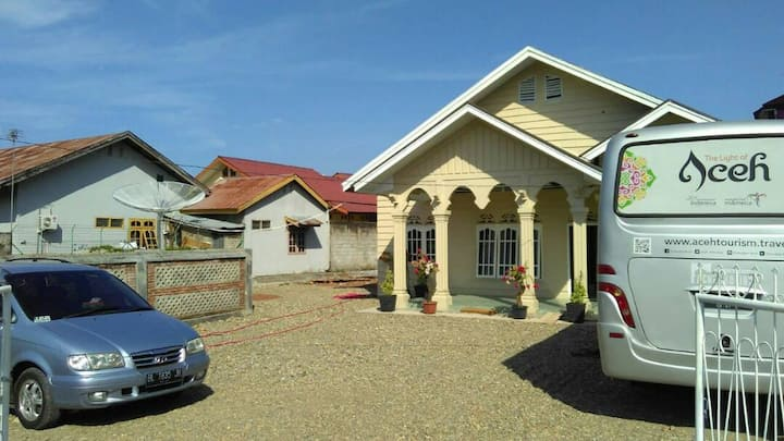 "ULKA GUEST HOUSE,""Feel Your Own House in the town"""