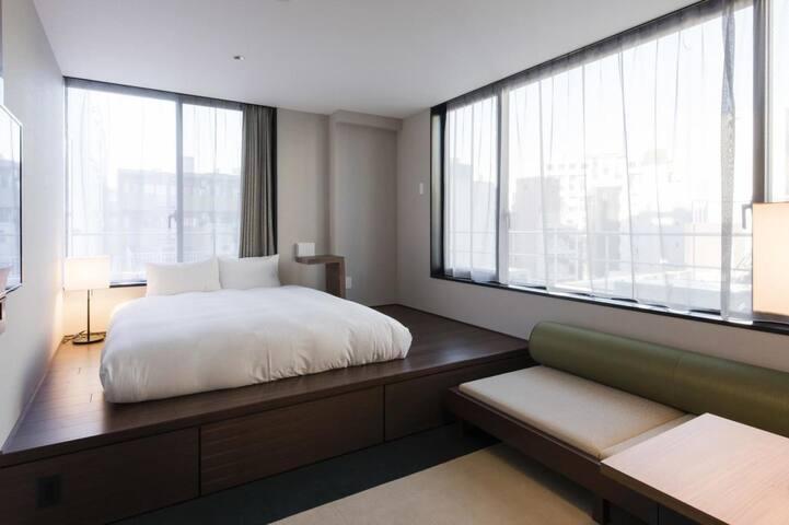 Higashi-nihombashi Sta. 3 min ! Private deluxe room(private bathroom)