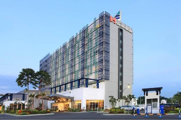 Deluxe room with Modern Style in Serang