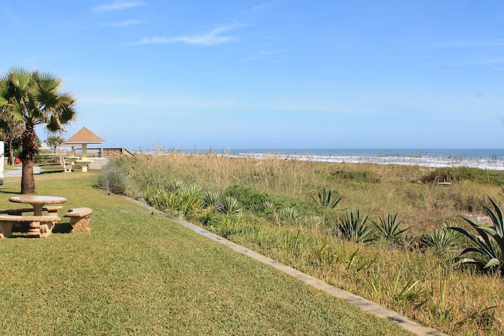 First floor beach condo - Cocoa Beach - Villa