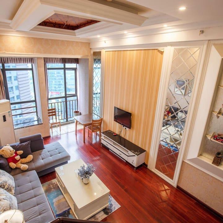 【红谷滩中心区】时光·舞Loft大床房。特舒适-特豪华。性价比极高,超级赞。南昌CBD周边位置