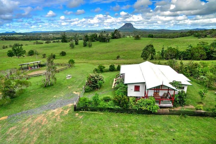 Kangaroo Lodge - breathtaking views