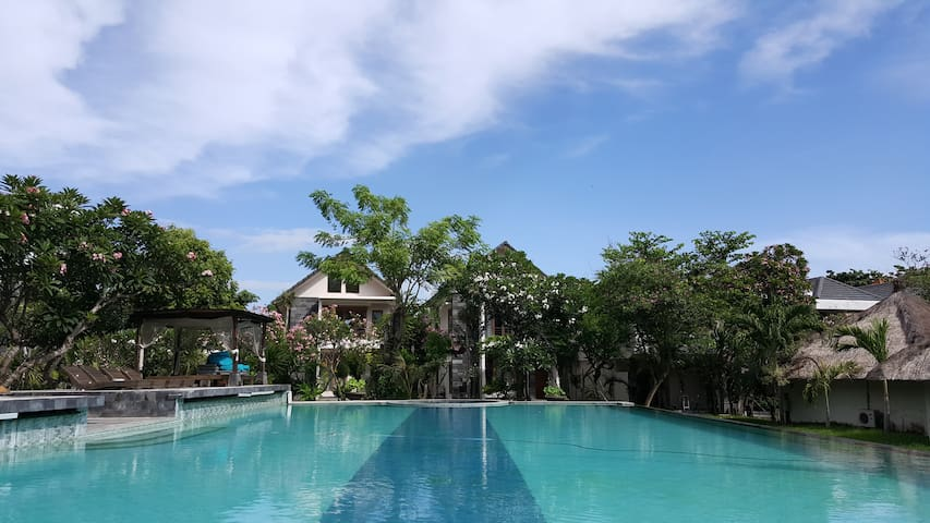Beach Front Apt: Perfect for Surfers and Families - Denpasar Selatan - Apartament
