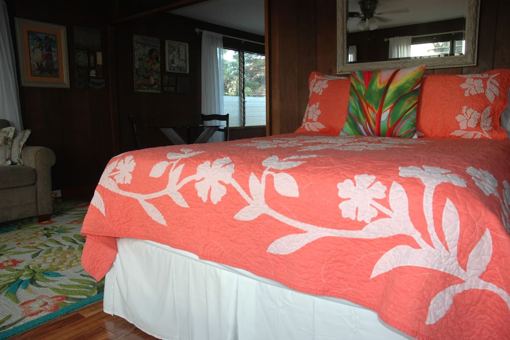 Comfortable Queen sized, pillow top  bed w/ensemble of Hotel Collection linens.
