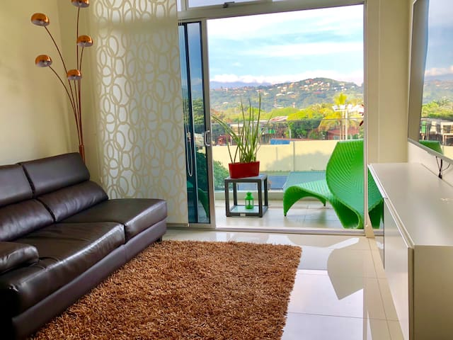 Riverside gem, cozy n nice space in great location