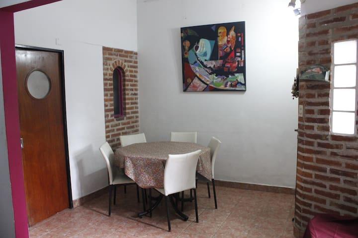 Habitación privada para una persona en casa