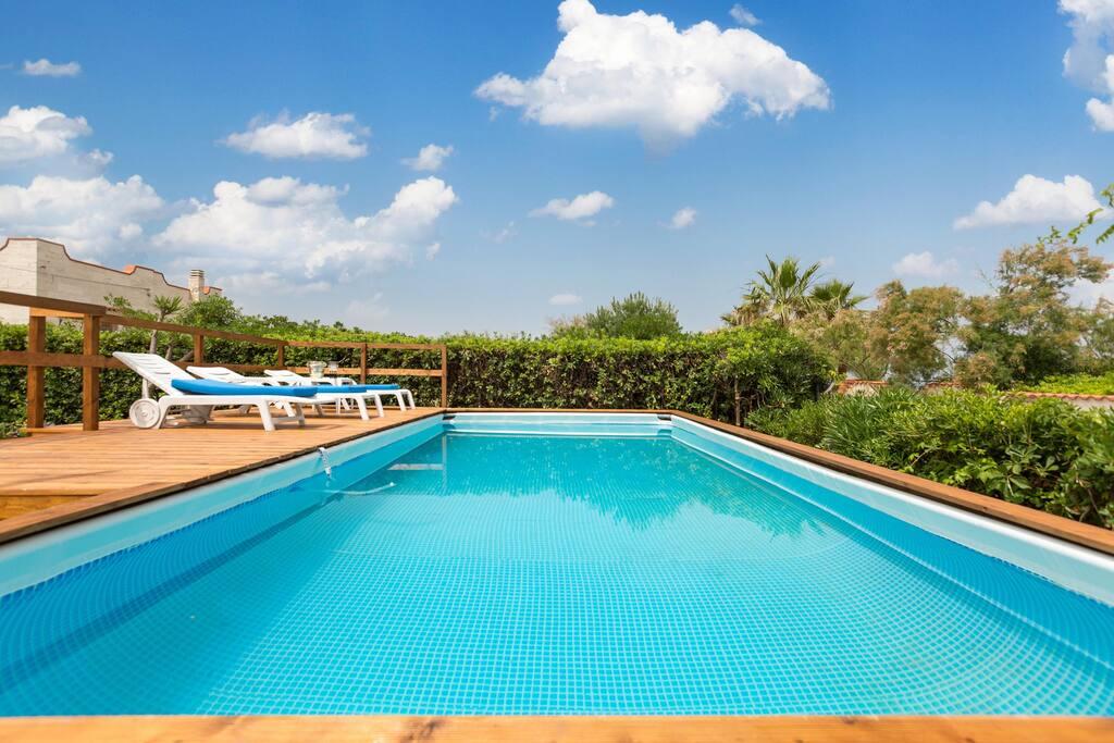 695 villa con piscina e accesso alla spiaggia ville in for Ville con piscina immagini