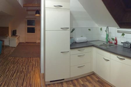 Helle Dachgeschosswohnung inFeldkirchen in Kärnten