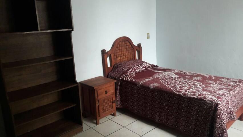 Habitación cómoda para descanso