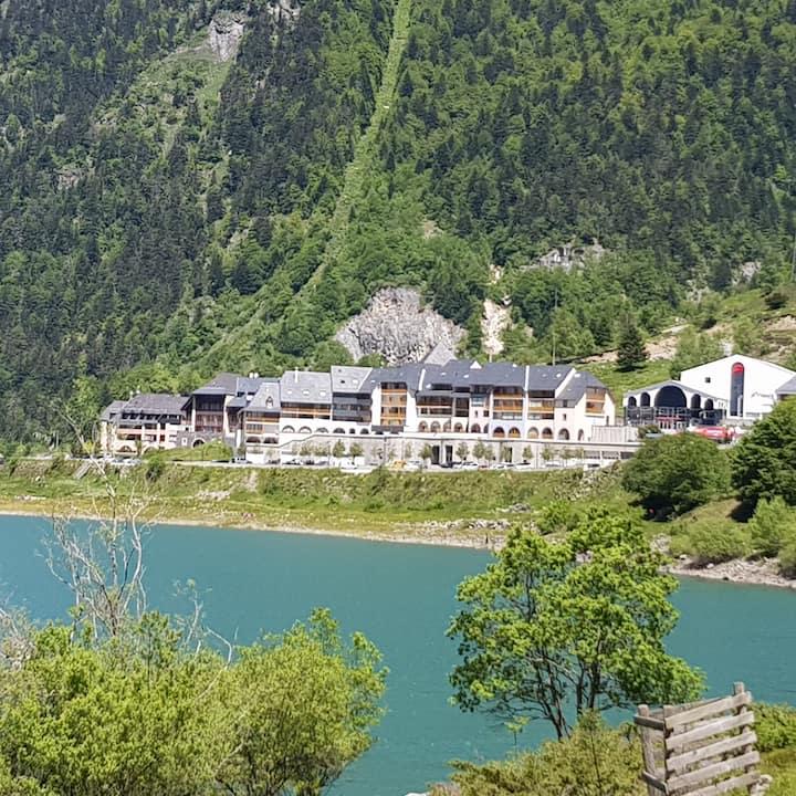 Artouste  Fabrèges Studio avec vue sur le lac