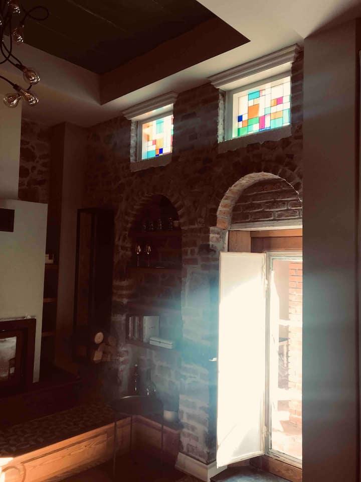 No:37 Restore edilmiş tarihi taş ev