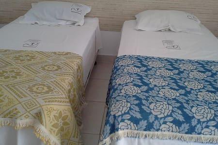 Pousada Aconchegante em Trindade quarto 07 - Trindade - Bed & Breakfast