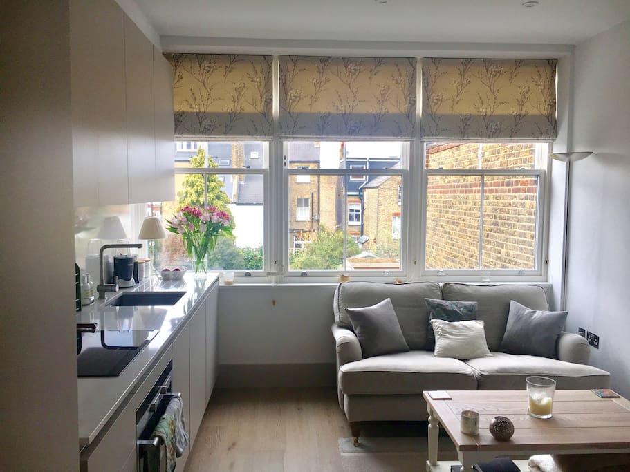 Foyer Apartments Clapham South : Modern studio flat near clapham south apartments for