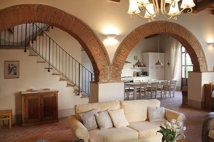 Luxury Apt in Restored Tuscan Villa - Cevoli - Apartmen