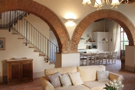 Luxury Apt in Restored Tuscan Villa - Cevoli