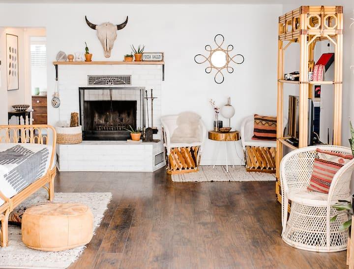 Echo Ranch House - Desert Bohemian Getaway