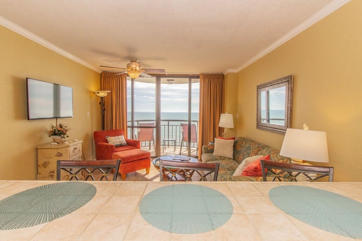Oceanfront One Bedroom Condo~Meridian 1402