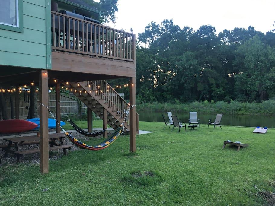 Hammocks, corn hole, a fire pit and kayaks!