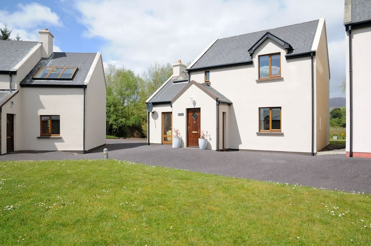 Entire Holiday Home, Sneem, 45 mins from Killarney