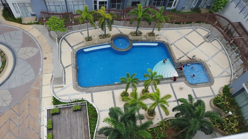 One Palm Tree Villas in Newport, Pasay City