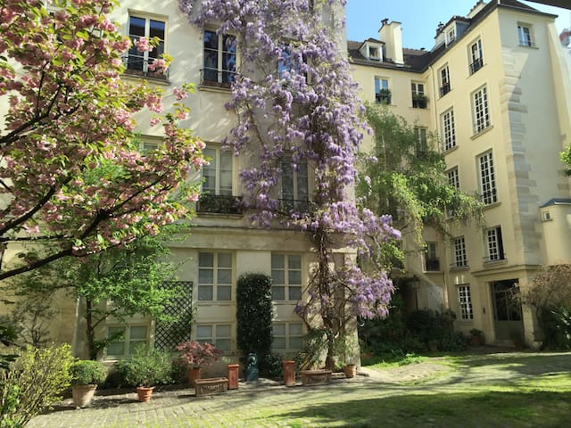 Country setting in the heart of the Marais - Paris - Apartmen
