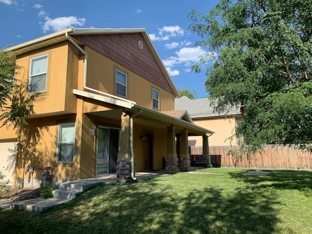 #HodgesHaus - Stylish Townhome in SLC