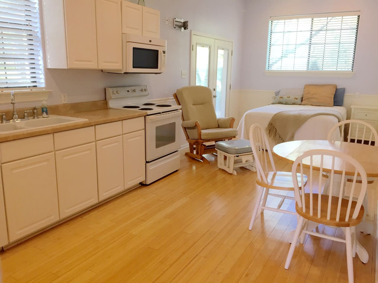 Adorable, clean efficiency apartment.