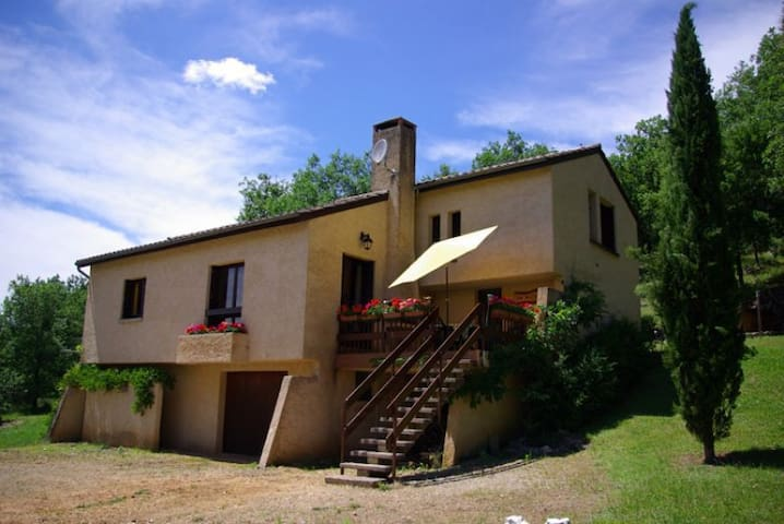 Lot Valley - detached property with pool and spa