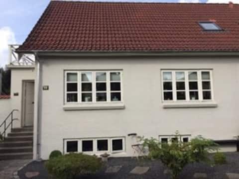 2 hyggelige værelser i dejlig villa i Ringe
