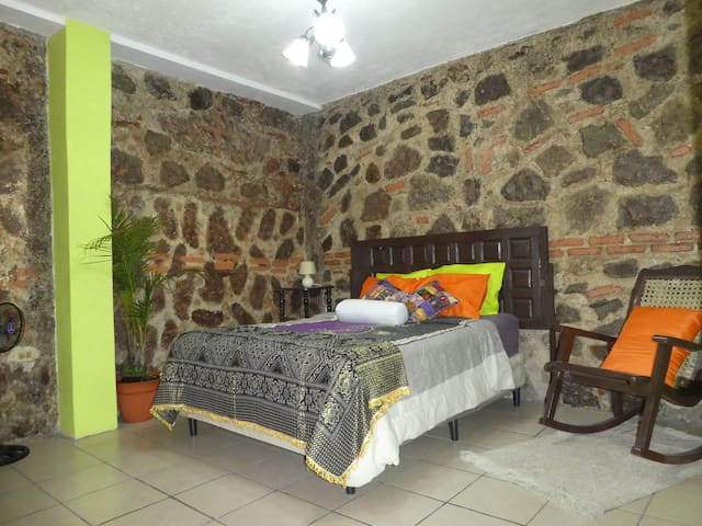"Maya Suite ""Mama Kity"" - Antigua Guatemala - Appartement"