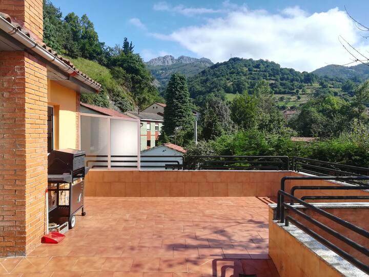 Casa con gran terraza.