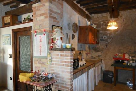 La casetta nella roccia - Torricella Peligna - Maan sisään rakennettu talo