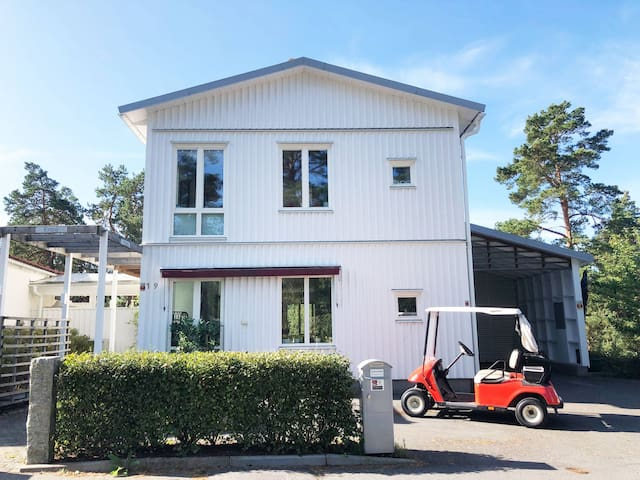 House close to Golf , Airport and Stockholm City