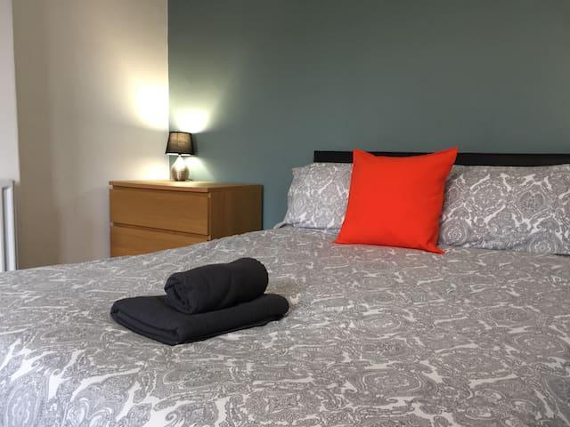 Room 3 at Stalbridge Place