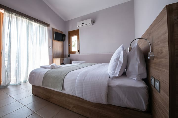 Cyrenia   Suite with Sea View