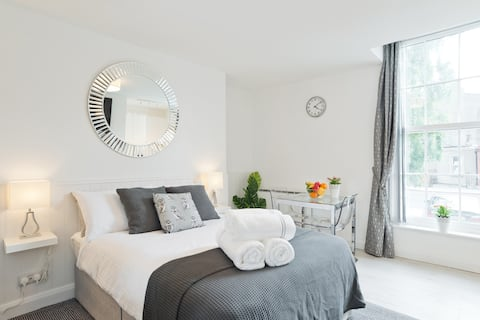 (C) Luxurious Studio apt Great Location Rathmines