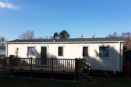 Luxury static caravan at Wells-next-the-Sea