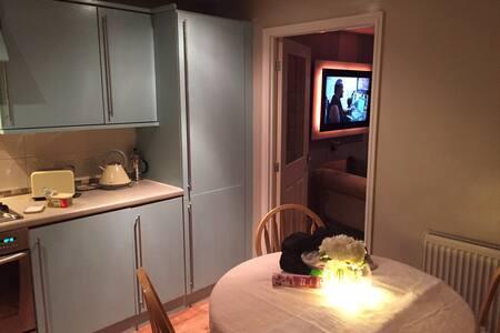 Cosy New build family Home! - Pelton - Haus