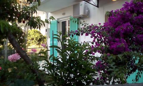 DANAI'S  LITTLE HOME  ( ΤΟ ΜΙΚΡΟ ΣΠΙΤΙ ΤΗΣ ΔΑΝΑΗΣ)