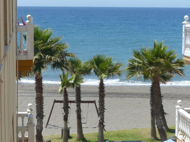 A 20 m playa, vistas al mar. Buen clima. 2 habitac - Torrox - Other