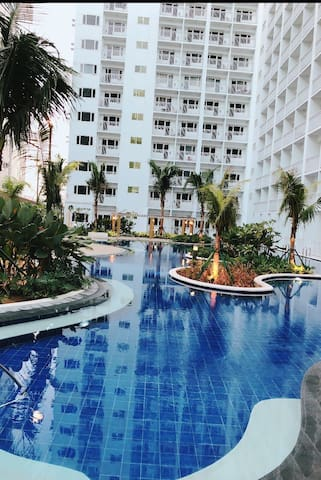 **NEW** 1 Br unit w/Balcony Shore Res Mall of Asia